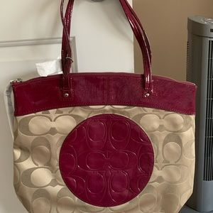 Coach large signature tote
